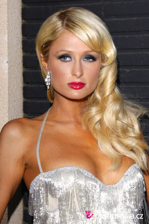 paris hilton: qua nhieu diem xau tren co the - 5