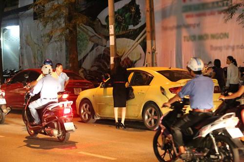 bat gap huong giang idol dieu da giua pho - 7