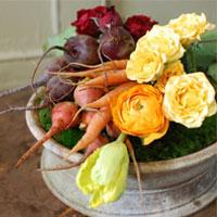 Hoa đẹp 20-10: Cắm hoa đẹp với rau củ