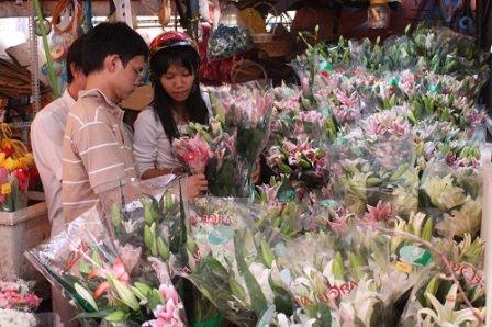 tp.hcm: hoa tuoi tang gia manh - 1