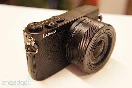 panasonic ra mat may anh mirrorless nho gon nhat the gioi - 2
