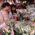 Mua sắm - Giá cả - TP.HCM: Hoa tươi tăng giá mạnh