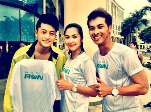 ha tang khoe chan thon ben canh dan hotboy - 5