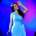 Làng sao - Thu Phương bật khóc trên sân khấu ngày về