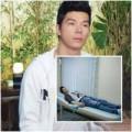 Làng sao - Bắt gặp Nathan Lee phờ phạc sau khi xuất viện
