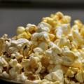 Mua sắm - Giá cả - Bắp rang bơ gây hại phổi, thoái hóa não?