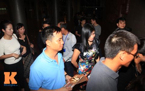 thu phuong lien tuc keo vay che nguc - 10