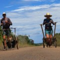 Tin tức - Choáng: Cặp vợ chồng chạy bộ 10.300 km hết Nam Mỹ