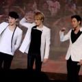 Làng sao - JYJ dạy các fan nhảy ngay trên sân khấu
