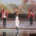 """JYJ sôi động với vũ điệu """"Get Out"""""""