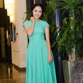 Thời trang - Á hậu Hoàng Anh đẹp ngọt ngào với đầm xanh bạc hà