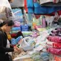 Mua sắm - Giá cả - Khăn giấy ướt gây độc gan, rối loạn nội tiết của trẻ?
