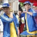 """Làng sao - Huy Khánh """"chơi trội"""" với trang phục màu nổi"""