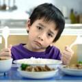 """Làm mẹ - Trẻ biếng ăn, uống B1 ăn """"thun thút""""?"""