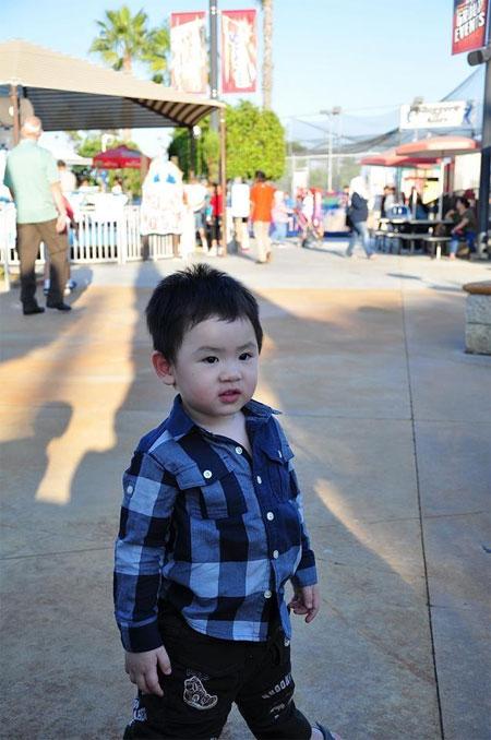 con trai bang kieu ngo nghinh don halloween - 10