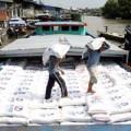 Mua sắm - Giá cả - Gạo ồ ạt chảy sang biên giới