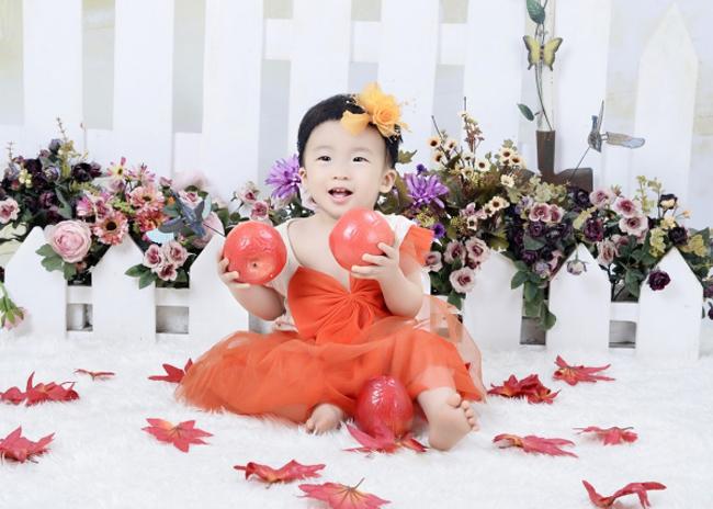 Bé Nguyễn Trần Diệu Hân được gọi ở nhà với cái tên rất yêu: Mít.
