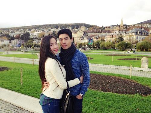 Chung Thục Quyên hạnh phúc cạnh bạn trai tại Thụy Sỹ-1