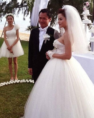Vũ Thu Phương và chồng kỷ niệm 2 năm ngày cưới-5