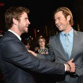 Xem & Đọc - Liam Hemsworth chúc mừng anh trai ra mắt Thor 2