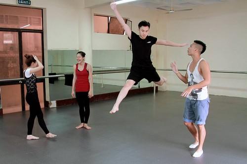 """le quyen """"bat"""" duong trieu vu mua ballet - 11"""