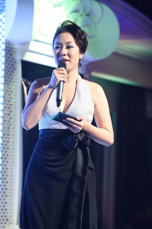 style that thuong kho doan cua ngo phuong lan - 6