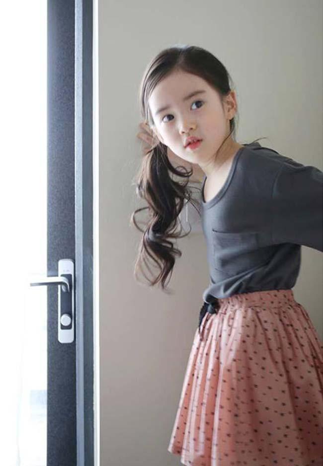 Hotgirl tiểu học đẹp như gái 20