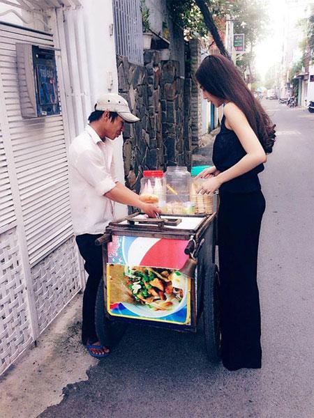 """minh hang dien mot """"khong quan"""" di sieu xe - 3"""