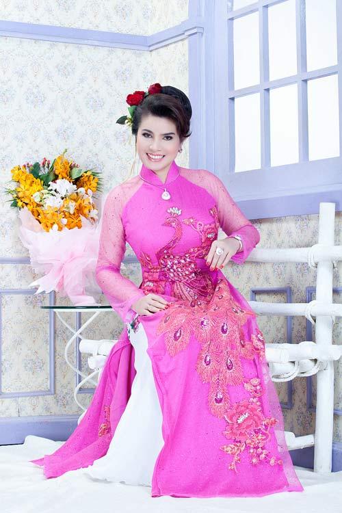 TS Kim Hồng làm giám khảo HH Quý bà thế giới 2013-7