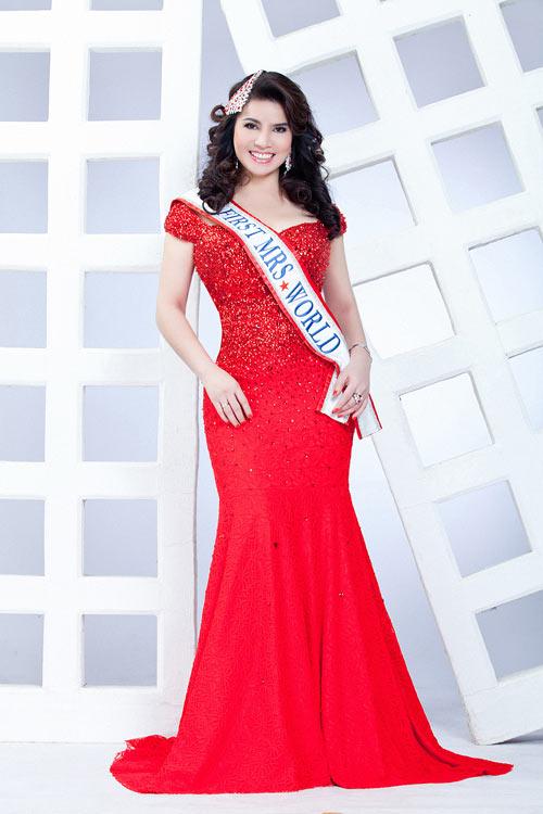 TS Kim Hồng làm giám khảo HH Quý bà thế giới 2013-10