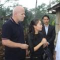 Làng sao - Thu Minh xây tặng 20 căn nhà cho người dân vùng lũ