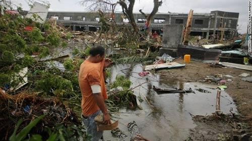 Ảnh, video: Philippines tan hoang sau siêu bão Haiyan - 11