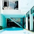 Nhà đẹp - Khoe nhà: 'Ngất' vì hồ bơi siêu khủng