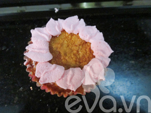 20-11 lam cupcake kem tuoi - 9