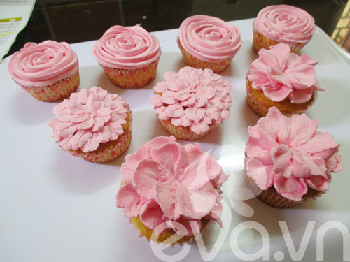 20-11 lam cupcake kem tuoi - 10