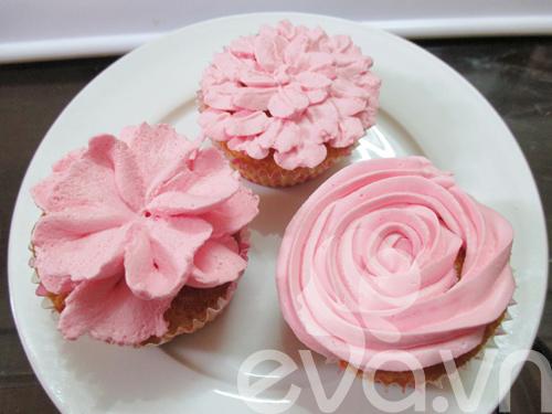 20-11 lam cupcake kem tuoi - 12