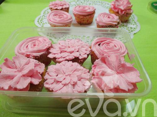 20-11 lam cupcake kem tuoi - 13