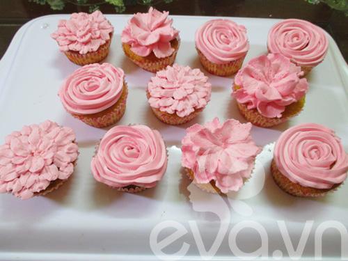 20-11 lam cupcake kem tuoi - 14