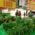 Mua sắm - Giá cả - Hà Nội: Rau xanh tăng giá gấp 3 ngày bão