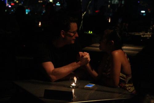 doan trang bung bau hẹn hò chòng tay - 3