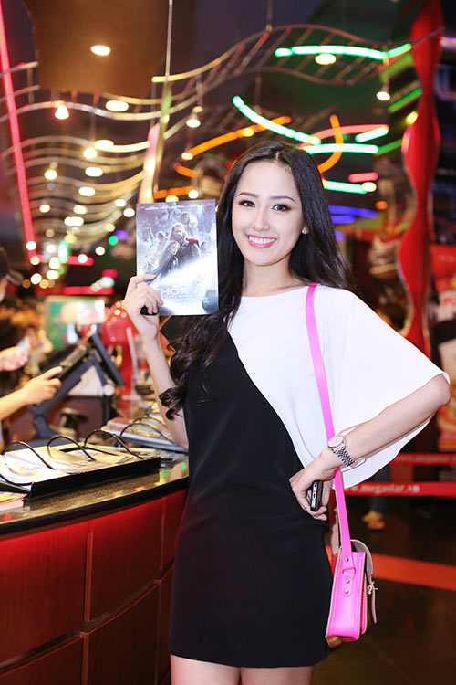 mai phuong thuy rang ngoi di tri an thay co - 6