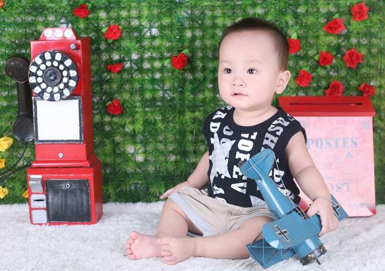 Bạn Lương Hải Phong dù chưa được 1 tuổi nhưng đã cứng cáp lắm rồi nhé.