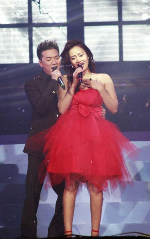 """ga cung"" dam vinh hung lan dau ngoi ghe nong - 4"