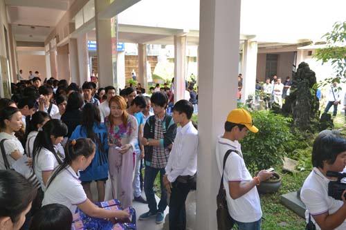 """ga cung"" dam vinh hung lan dau ngoi ghe nong - 5"