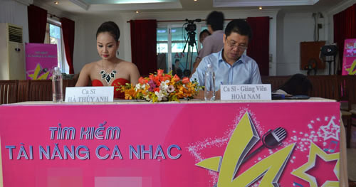 """ga cung"" dam vinh hung lan dau ngoi ghe nong - 3"