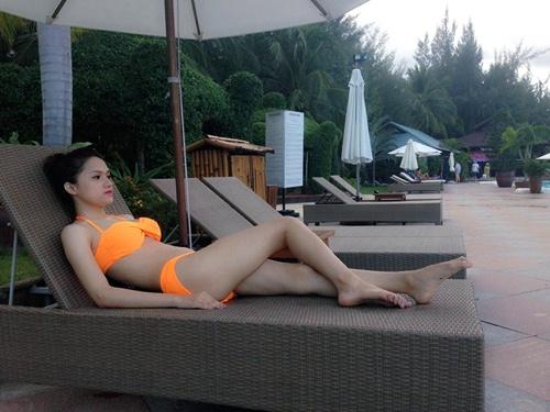 huong giang idol khoe dang nuot voi bikini - 7