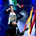 Video - Thái Châu thiêu đốt sân khấu The Voice với Totem Sói
