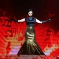 Video - Hoàng Yến hóa Diva với Listen