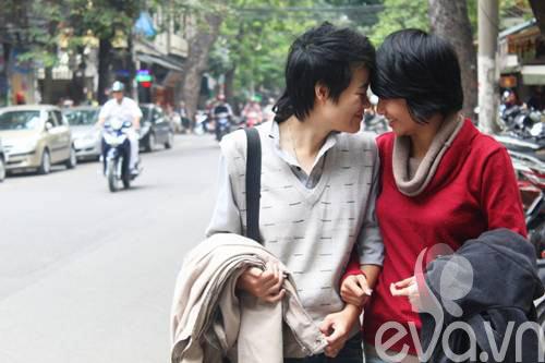 """cap dong tinh nu hn: """"chung toi dang rat hanh phuc"""" - 2"""