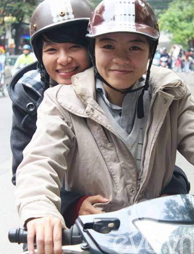 """cap dong tinh nu hn: """"chung toi dang rat hanh phuc"""" - 8"""